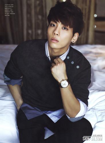 Shinee kertas dinding with a business suit entitled Jonghyun~! GQ Korea