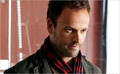 Jonny Lee Miller -Sherlock Holmes - Elementary - jonny-lee-miller photo