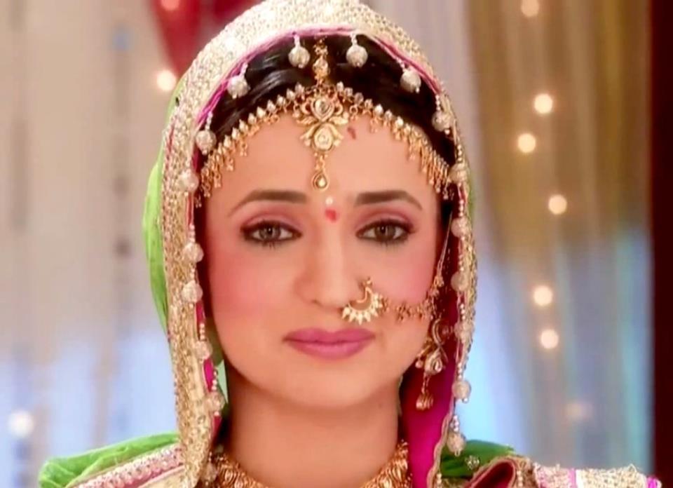 Sanaya Irani as Khushi