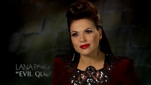 Lana Parrilla - The Evil क्वीन