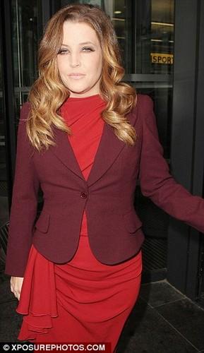 Lisa (Candids September 2012)
