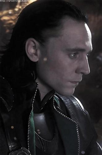 Loki (Thor 2011) kertas dinding called Loki