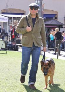 Michael Weatherly wallpaper possibly with a malinois called Michael Weatherly