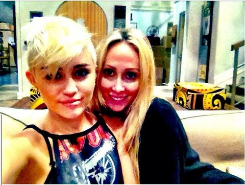 Miley Twitter
