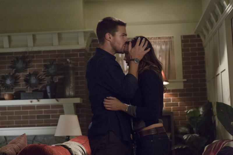 Oliver & Laurel Still - Oliver Queen and Dinah Laurel