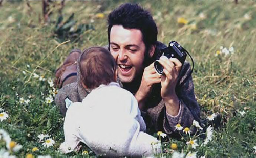 Mary McCartney Images Paul And In A Field Of Daisies Wallpaper Background Photos