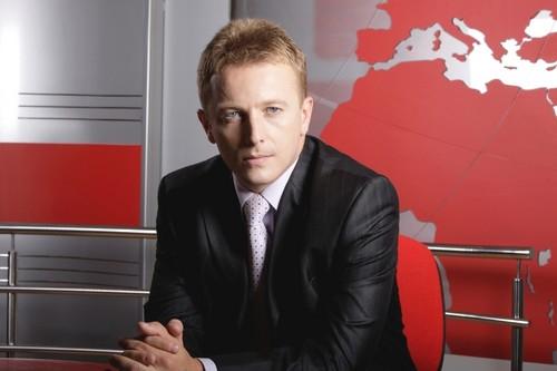 Raul C. テレビ romanians people romanian men