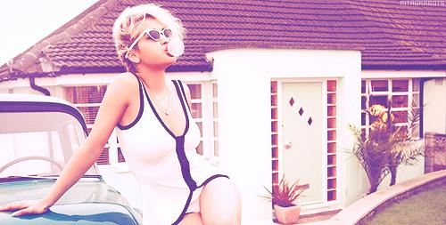 Rita Ora پرستار Art