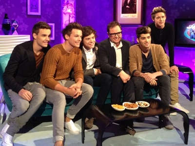 SEP 28TH - ON ALAN CARR CHATTY MAN প্রদর্শনী