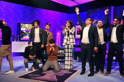 SEP 28TH - ON ALAN CARR CHATTY MAN دکھائیں