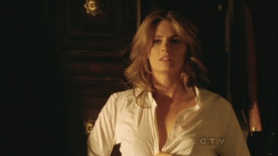 Stana Katic karatasi la kupamba ukuta possibly containing a well dressed person and a portrait called Stana: ngome 5x02