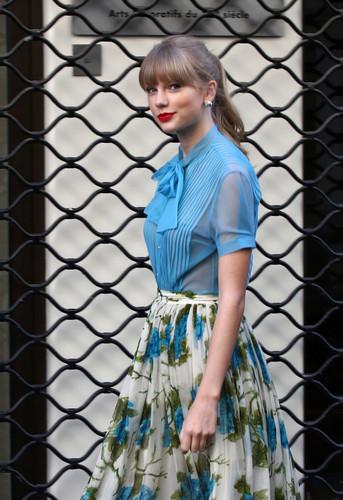 "Taylor تیز رو, سوئفٹ filming ""Begin Again"" موسیقی video in Paris, France 01102012"