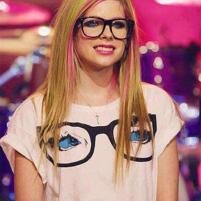 Avril Lavigne Hintergrund possibly containing a jersey, sunglasses, and a portrait entitled avril ♥