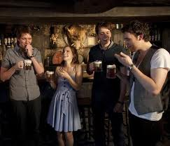 cast in three broomsticks at wizarding world of harry potter