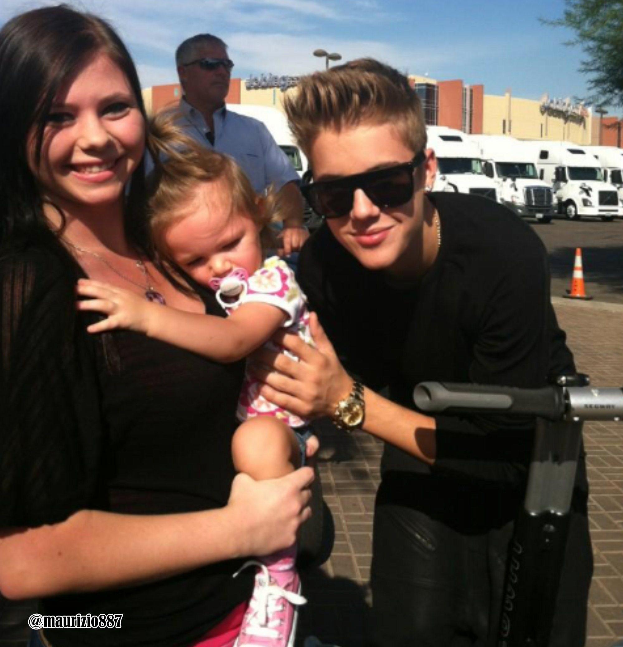 Justin bieber dating a fan