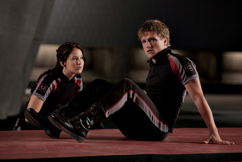 Katniss Everdeen wallpaper entitled katniss and peeta