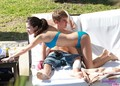 selena and justin on beach pics - justin-bieber-and-selena-gomez photo