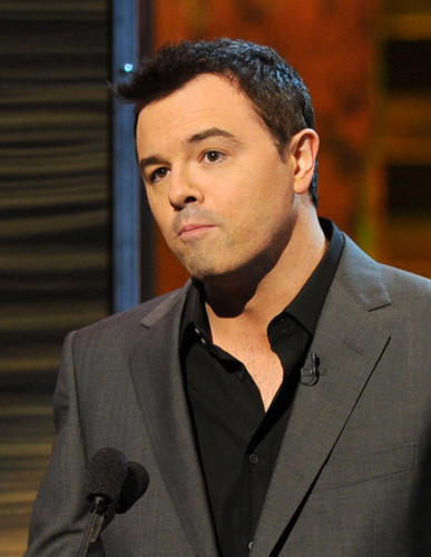 Seth MacFarlane wallpaper containing a business suit called seth