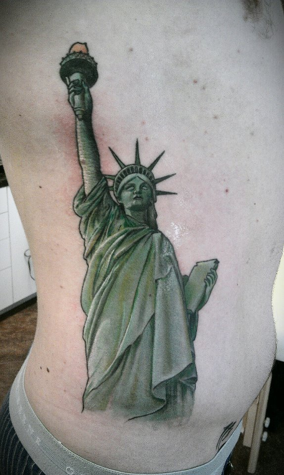 28 statue of liberty tattoo designs 30 ultimate statue of liberty tattoos ideas 30. Black Bedroom Furniture Sets. Home Design Ideas