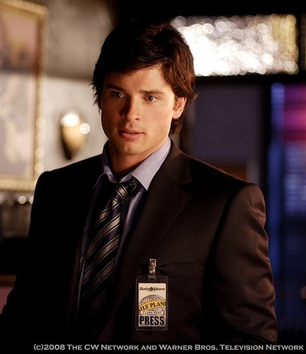 Tom Welling Hintergrund containing a business suit, a suit, and a two piece entitled tom welling
