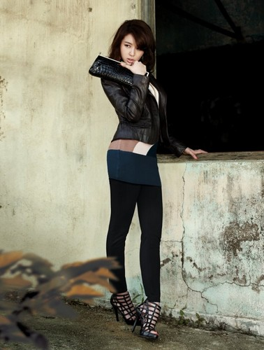 DARA 2NE1 wallpaper containing hosiery, a hip boot, and bare legs called yoon eun hye joinus fashion
