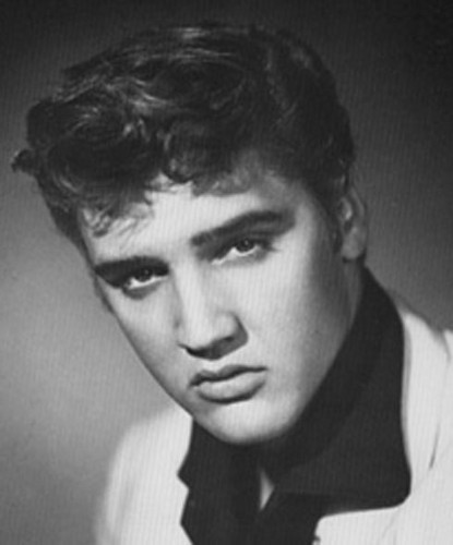 Ingrid's Graceland پیپر وال entitled ♥ Elvis Presley ♥
