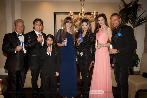 ?, Prince Jackson, Blanket Jackson, Paris Jackson, Latoya Jackson, ? and ? at Mr rosa Drink Party