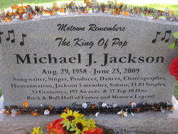A Makeshift Memorial Site Michael Jackson