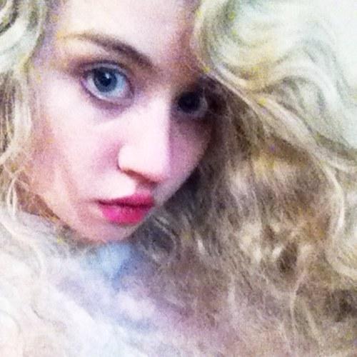 Allison Harvard new Twitter photo.