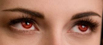 Bella's red newborn vampire eyes