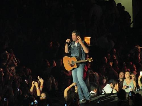 Blake Shelton @ State Farm Arena - Sep. 26th, 2012