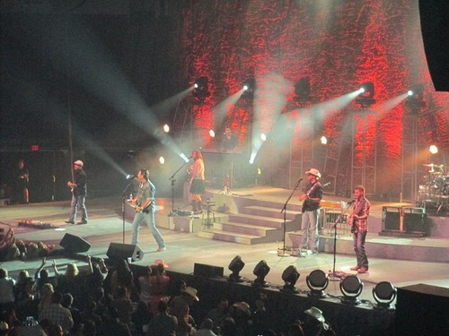Blake Shelton @ State Farm Arena - Sep. 26th, 2012