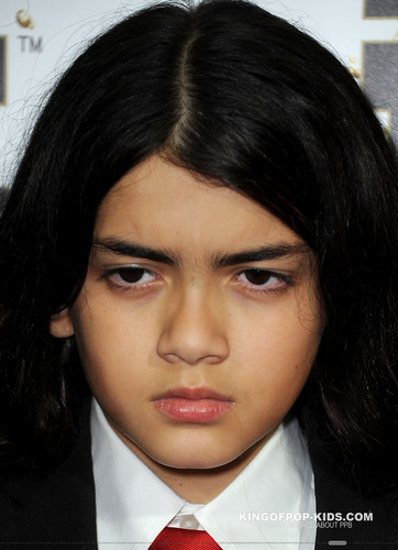 Blanket Jackson wallpaper probably containing a business suit entitled Blanket Jackson at Mr Pink Drink Launch Party ♥♥