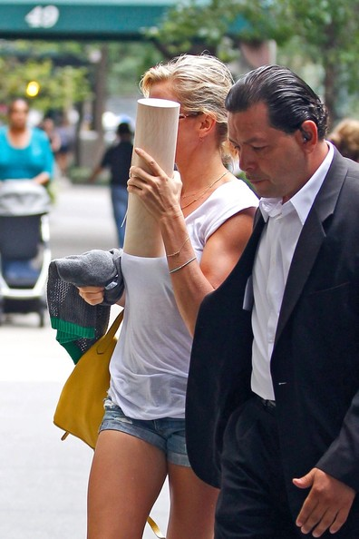 Cameron - Enters her New York City hotel - August 27, 2012