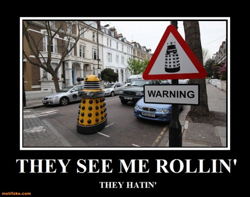 doctor who wallpaper with a jalan, street and a jalur lalu lintas titled Dalek