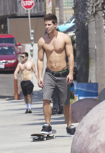 Dean Geyer Skateboarding in Santa Monica - October 3, 2012