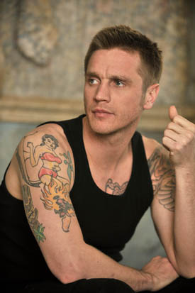 Devon Sawa as Owen Elliot in Nikita - devon-sawa Photo