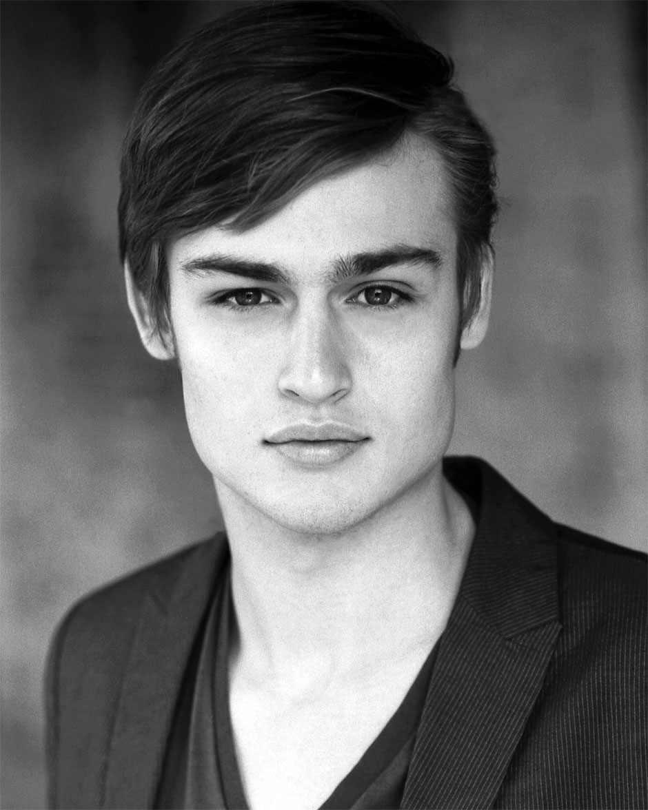 Douglas Booth - Hottes...