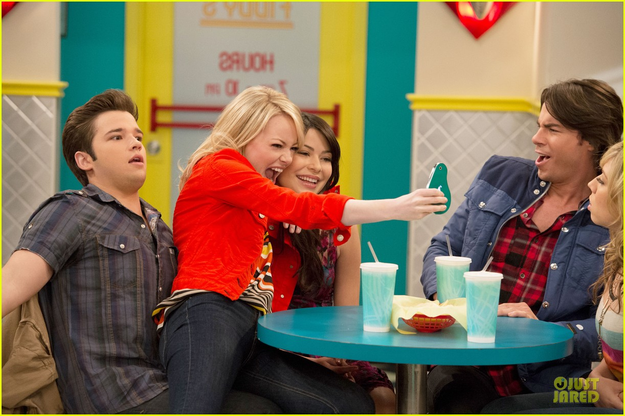 ICarly Airing On Saay Oct 20 2012 Icarly 32494243 1222 815