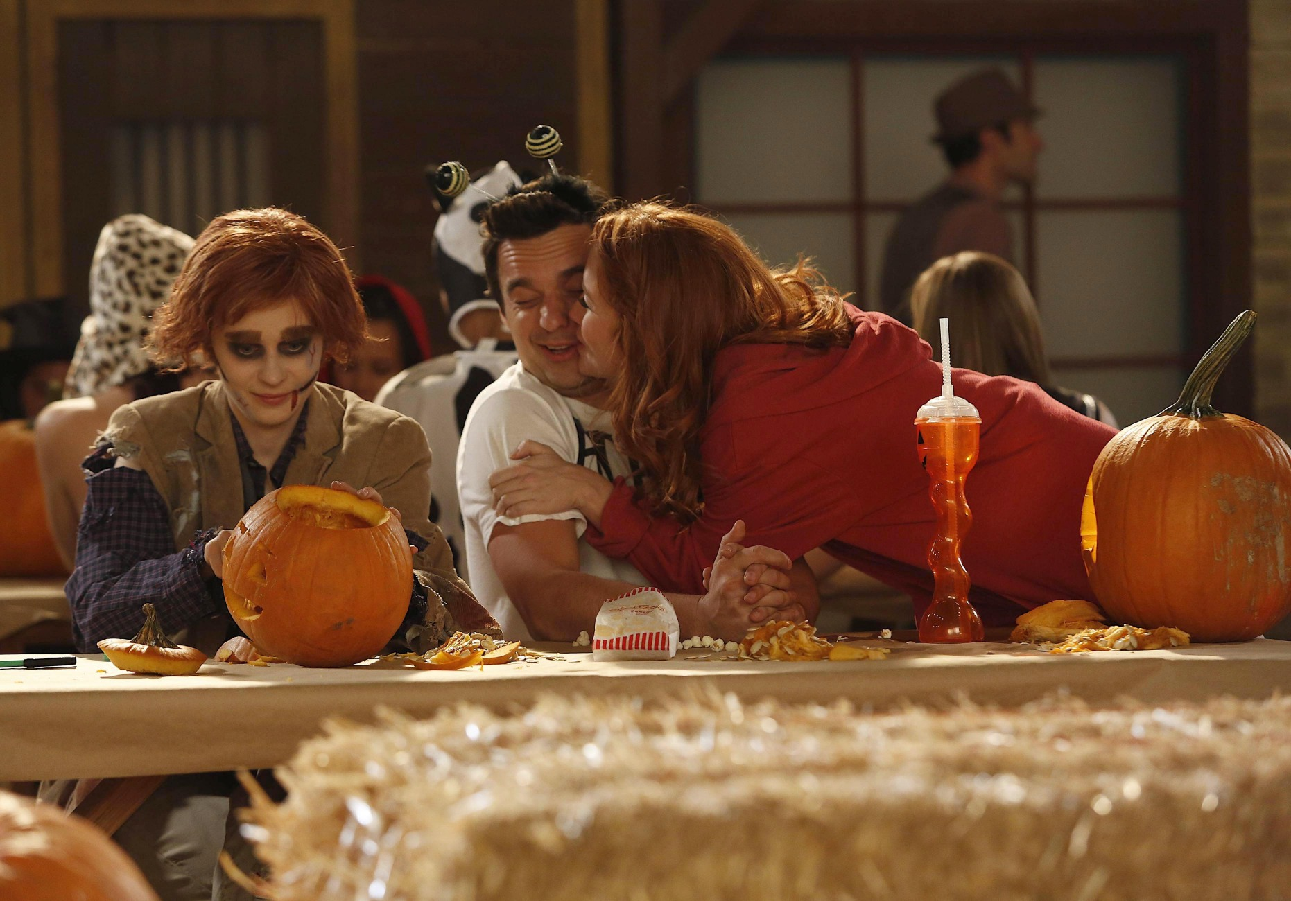 "Episode 2x06 - ""Halloween"" - Promotional Pics"