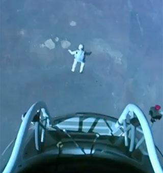 FELIX BAUMGARTNER - 宇宙 JUMP