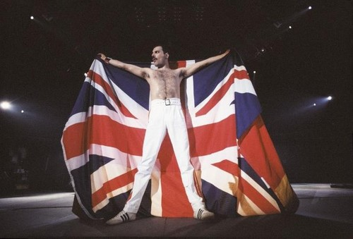 Freddie Mercury, cinta of Life, Singer of Songs