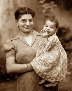Freddie's mother Jer and sister Kash