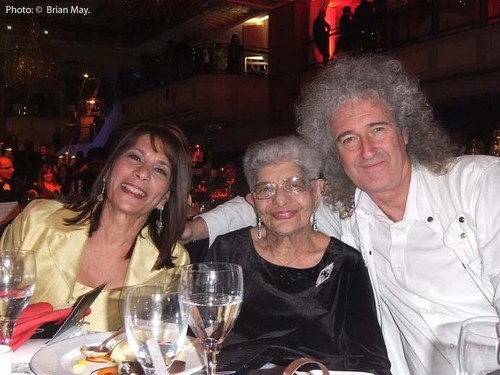 Freddie's mother Jer and sister Kash