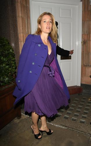 Gillian Anderson: chim hoa mai, chim ưng, finch and Joplin bữa tối, bữa ăn tối Londres
