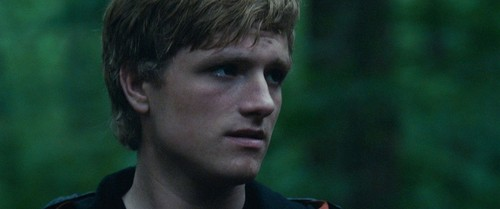 Peeta Mellark वॉलपेपर probably with a portrait entitled Hunger Games screencaptures [HQ]