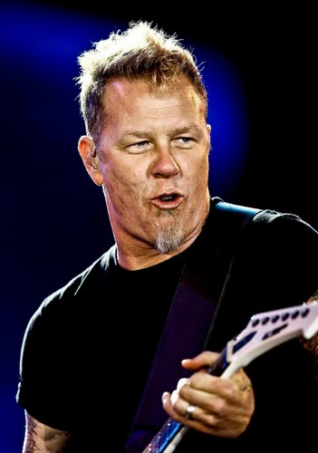 James Hetfield fond d'écran containing a concert entitled James