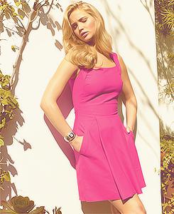 Jennifer Lawrence wallpaper probably containing a cocktail dress titled Jen♥