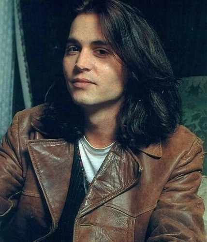 Johnny with long hair♥♥♥