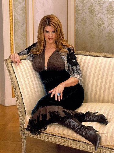 Kirstie Alley 壁纸 possibly with a drawing room and a living room entitled Kirstie Alley